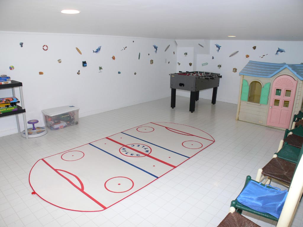 Virtual playroom enjoy for Tiles for kids room